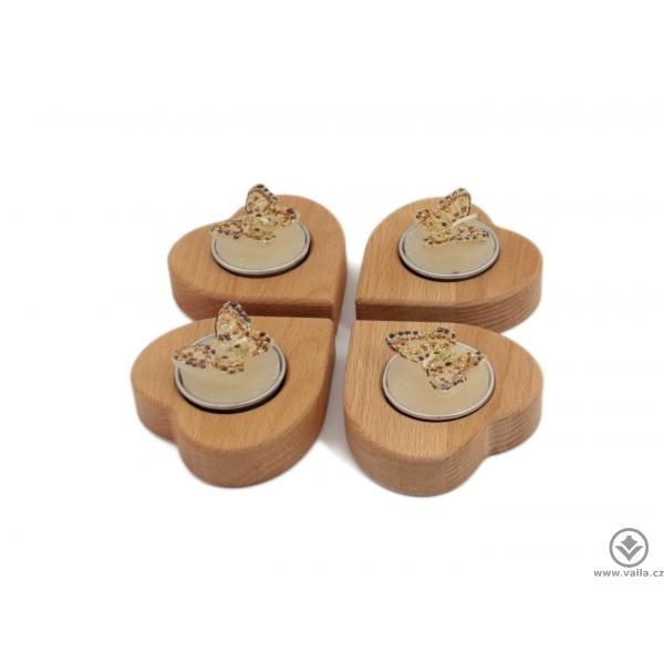 Dřevěný adventní svícen čtyřlístek ze srdíček